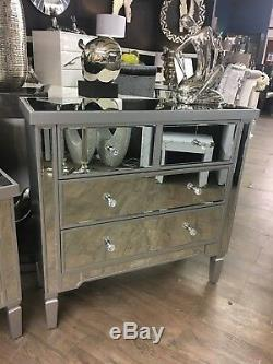 Georgia Silver Trim Mirrored Glass & Wooden Chest of 4 Drawers Bedroom Cabinet
